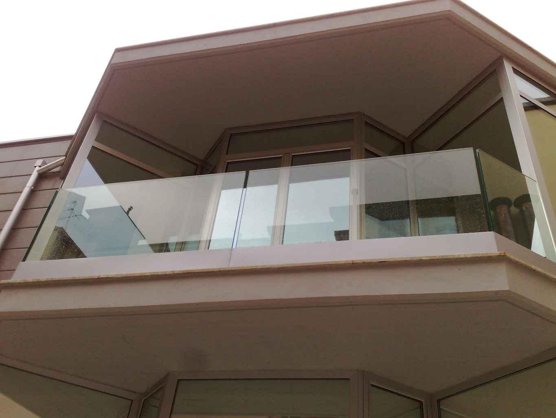 Vetrate per scale interne pareti in vetro with vetrate - Ringhiere in vetro per scale interne prezzi ...